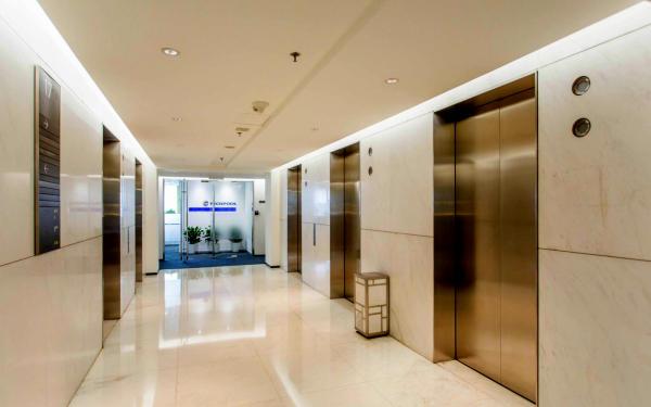 办公区电梯间