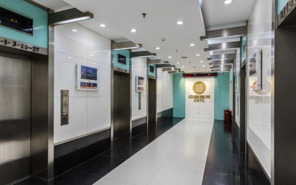 大厦内部电梯厅